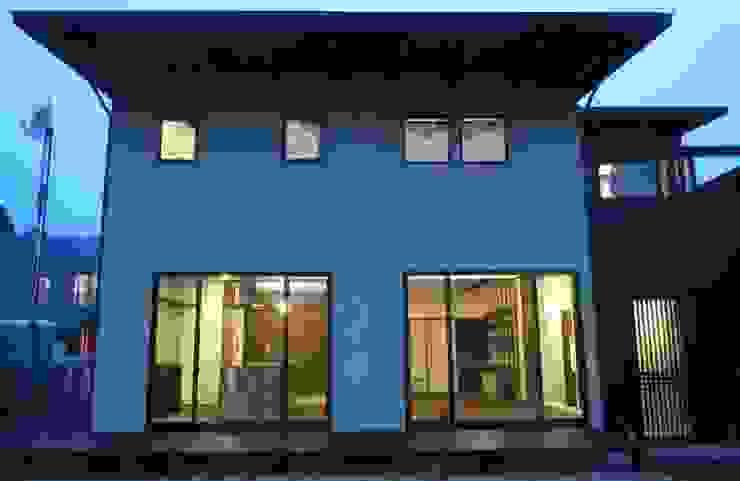 南側ファサード クラシカルな 家 の 青戸信雄建築研究所 クラシック