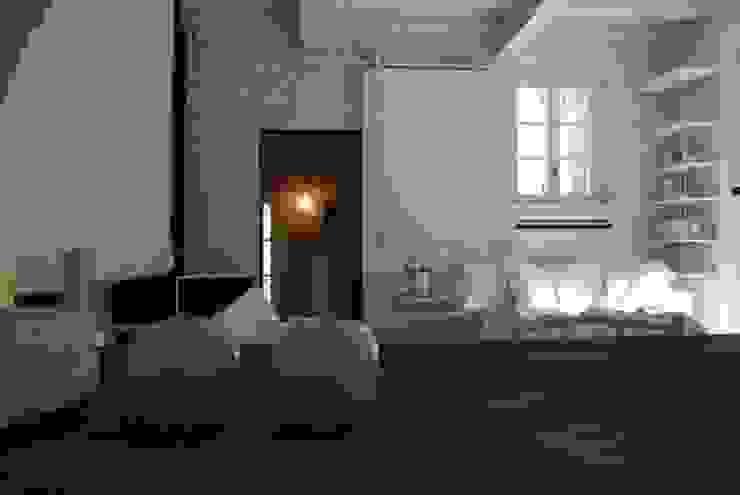 Wohnzimmer von Architetto Silvia Giacobazzi