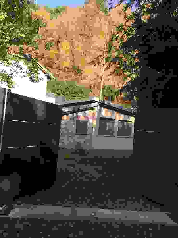 Nhà để xe/ nhà kho phong cách kinh điển bởi Architetto Silvia Giacobazzi Kinh điển