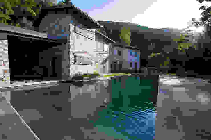 Piscinas de estilo  por Architetto Silvia Giacobazzi, Rústico