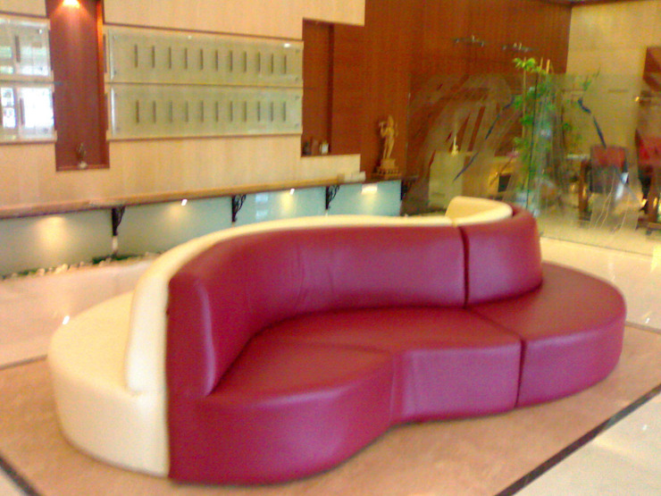 Salle multimédia classique par Architecture Interior Co. Pvt. Ltd Classique