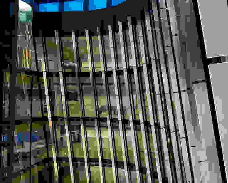 LUSÍNTESIS LIGHT ART Edificios de oficinas de estilo moderno de Lighting Design Collective S.L. Moderno