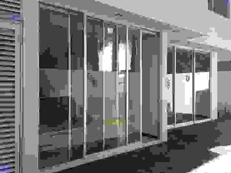 Valle Real: Terrazas de estilo  por Arki3d, Moderno