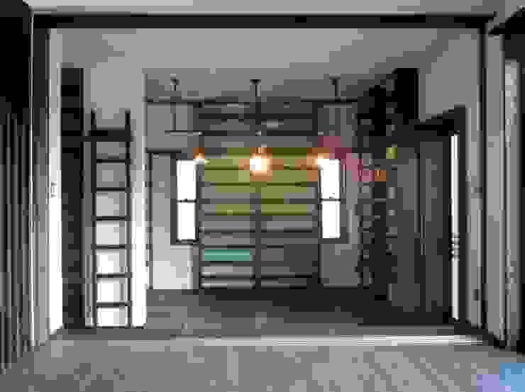 土間ライブラリー クラシックデザインの 多目的室 の 青戸信雄建築研究所 クラシック