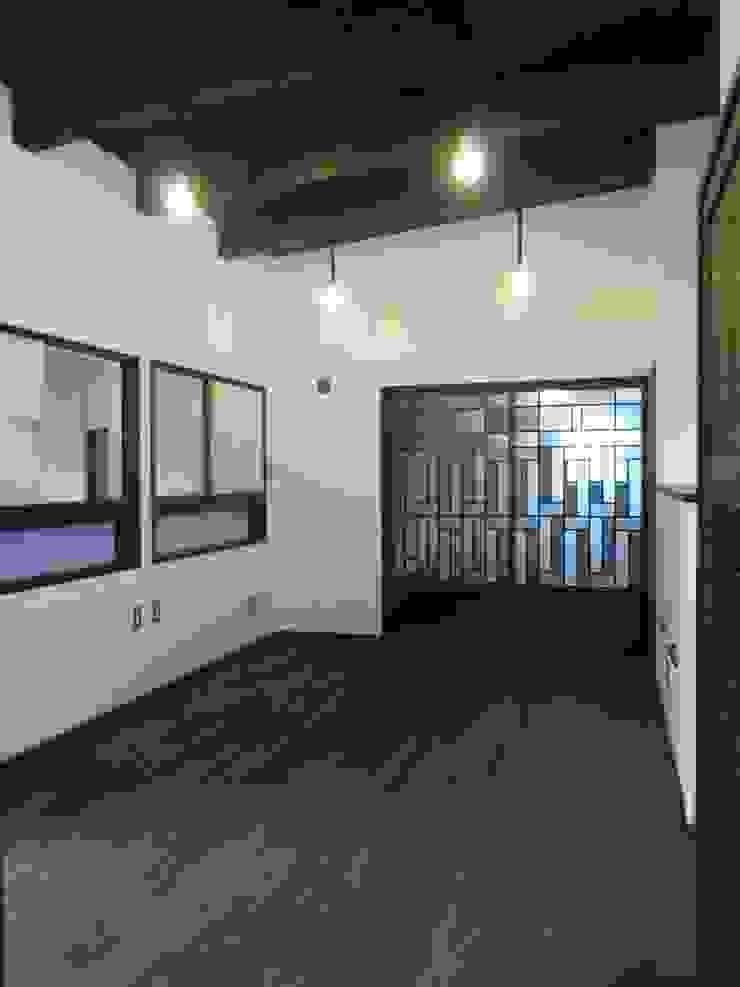 2階寝室 クラシカルスタイルの 寝室 の 青戸信雄建築研究所 クラシック