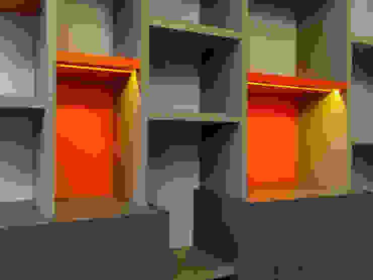 Projekty,  Domowe biuro i gabinet zaprojektowane przez Le Tiroir, Nowoczesny