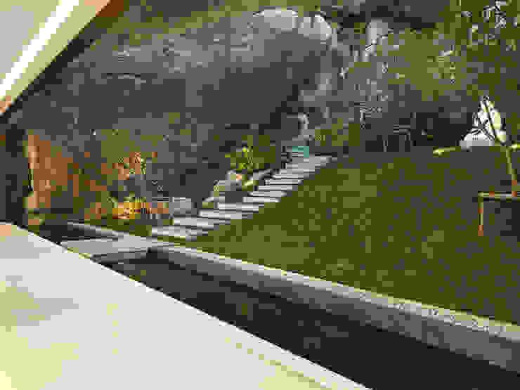 Modern garden by Original Vision Modern