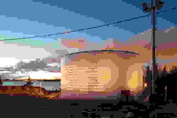 SILO 468 LIGHT ART HELSINKI Espacios comerciales de estilo moderno de Lighting Design Collective S.L. Moderno