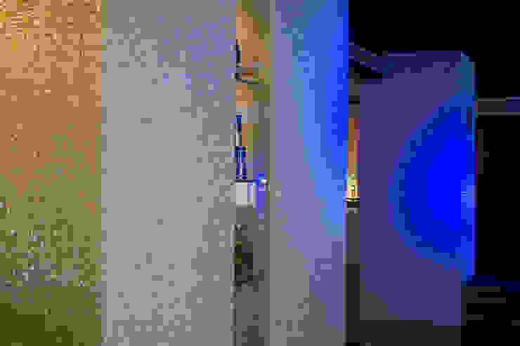 PUB – DISCO / CITY HALL / SPAIN Paredes y suelos de estilo moderno de DUNE CERAMICA S.L. Moderno