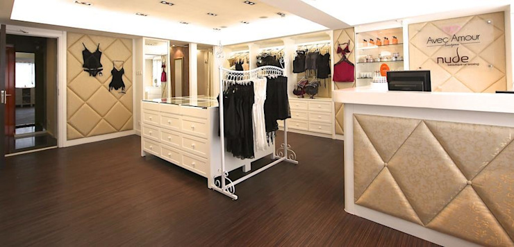 Retail Area Oui3 International Limited Modern offices & stores