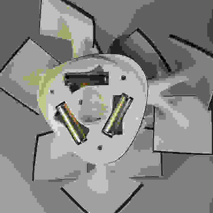 Electree mini de Vivien Muller Moderno