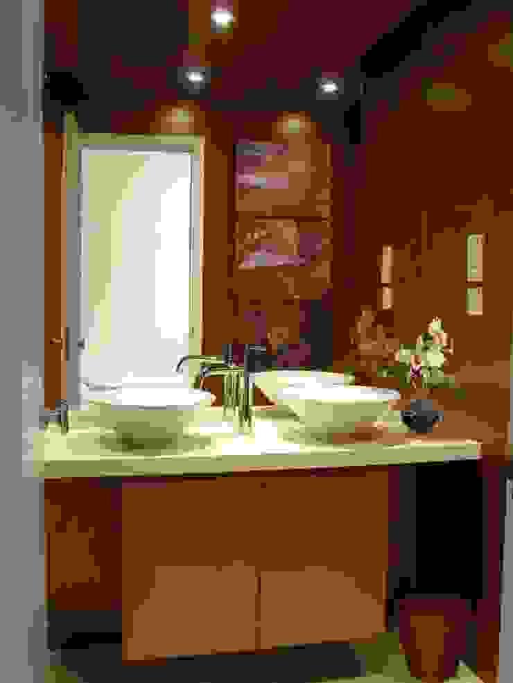 Oui3 International Limited Casas modernas