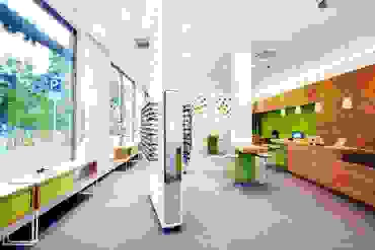 Optiker-Fachgeschäft Ladenflächen von Die Möbel Macher Tischlerei Bremen