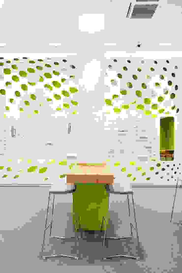 Optiker-Fachgeschäft Geschäftsräume & Stores von Die Möbel Macher Tischlerei Bremen