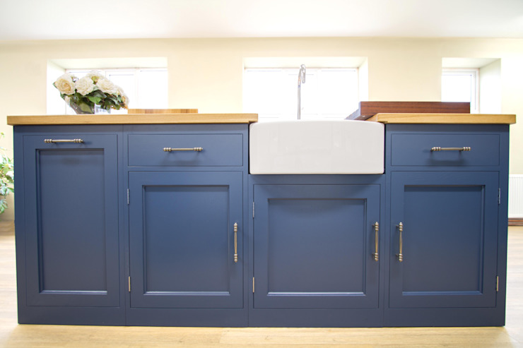 Bespoke Kitchen Island Country style kitchen by NAKED Kitchens Country