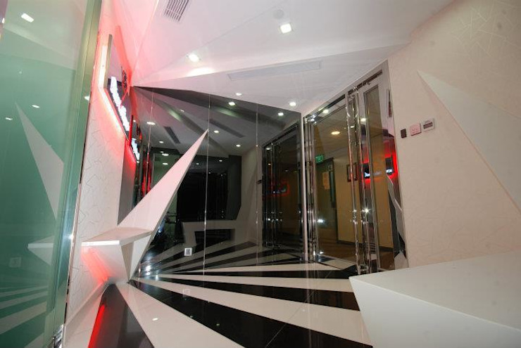 Reception Lobby. Eclectic style offices & stores by Oui3 International Limited Eclectic