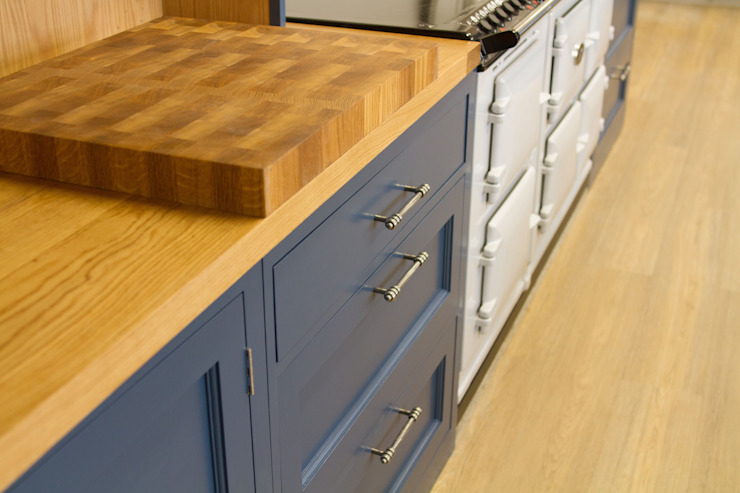 Solid Oak Chopping Board by NAKED Kitchens Country