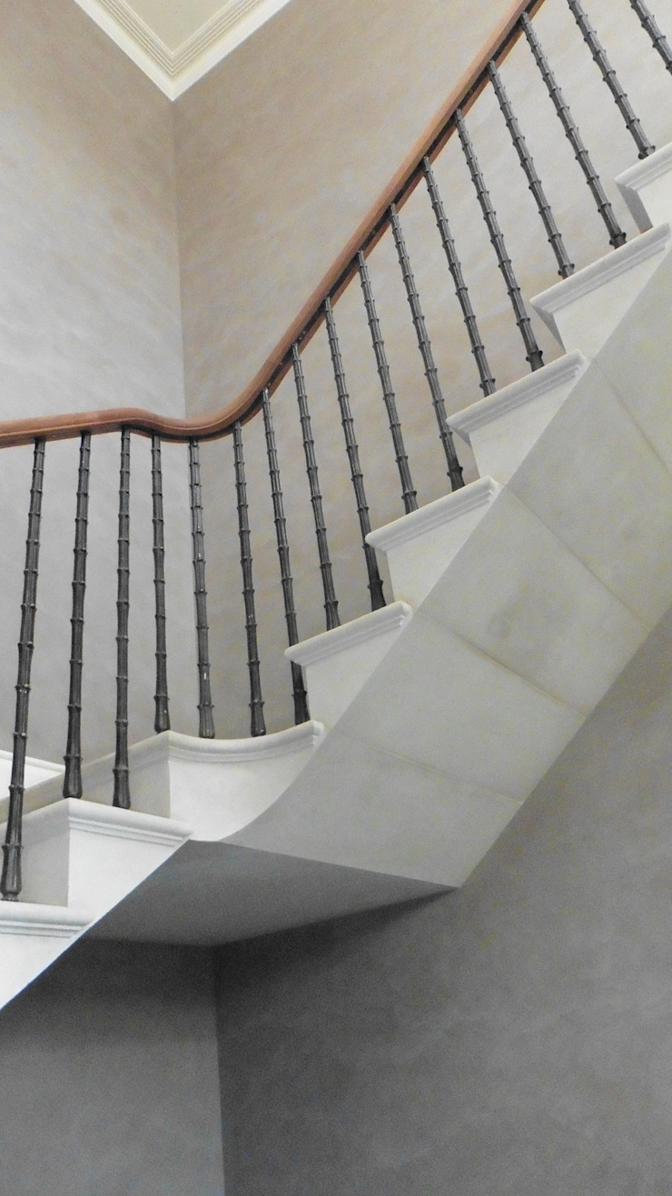 Dawson Place, Hopton Staricase Classic style corridor, hallway and stairs by Britannicus Stone Classic