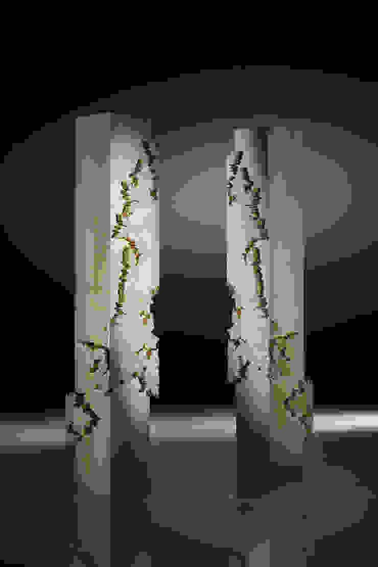 Colonna Leaves Collection di Atelier Mo.Ba. Classico