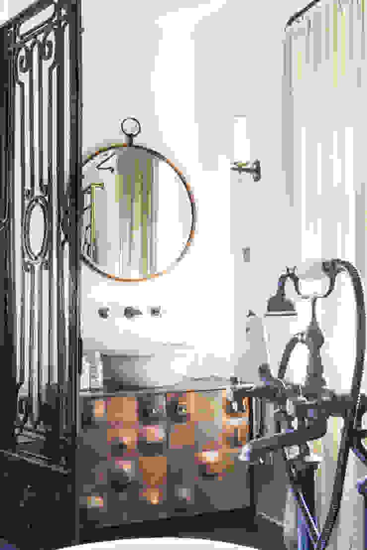 Mediterranean style bathrooms by dmesure Mediterranean