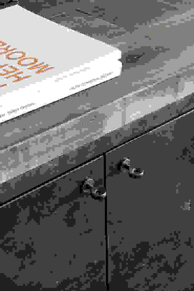 Industrial style bathrooms by dmesure Industrial