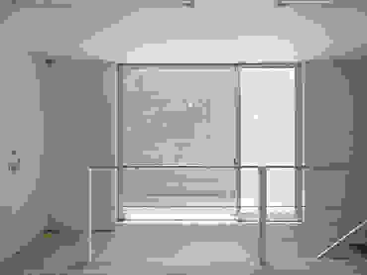 天庭 ミニマルデザインの テラス の 小田宗治建築設計事務所 ミニマル
