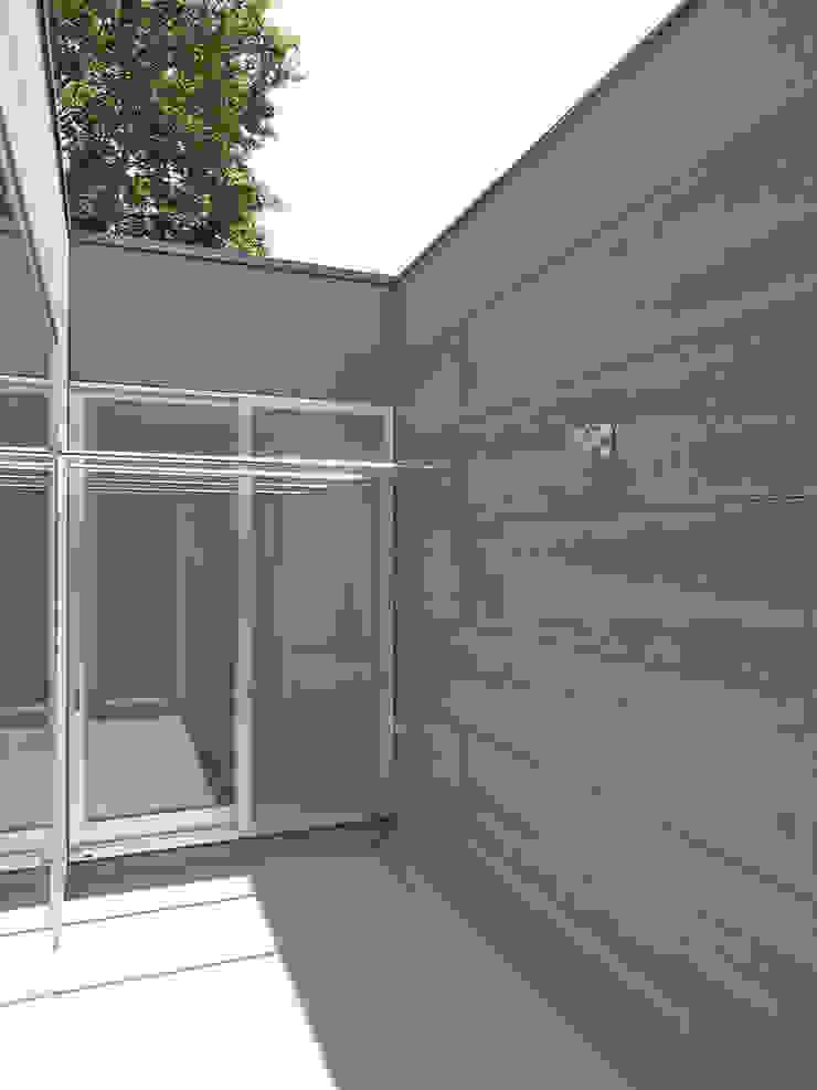 天庭 モダンデザインの テラス の 小田宗治建築設計事務所 モダン