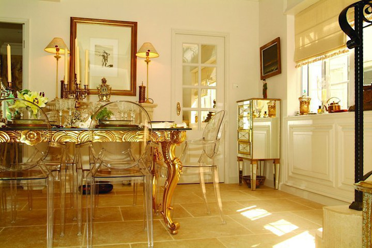 Dining room. Colonial style houses by Oui3 International Limited Colonial