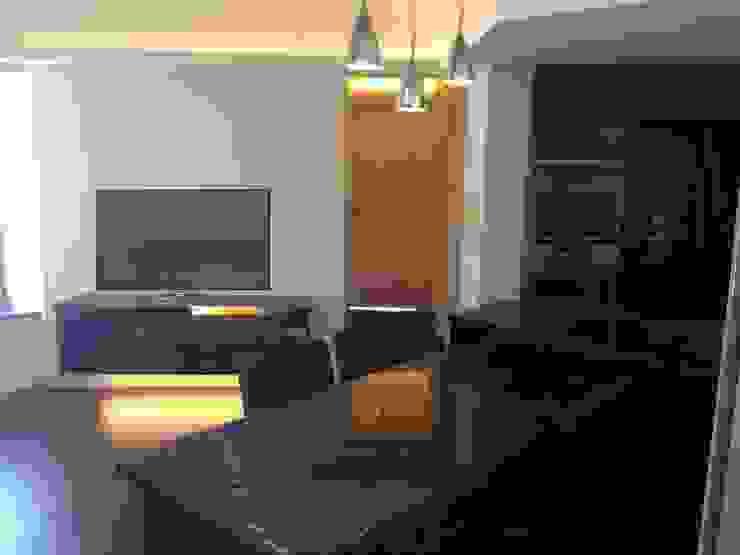 Dining / Living Room Modern living room by Oui3 International Limited Modern