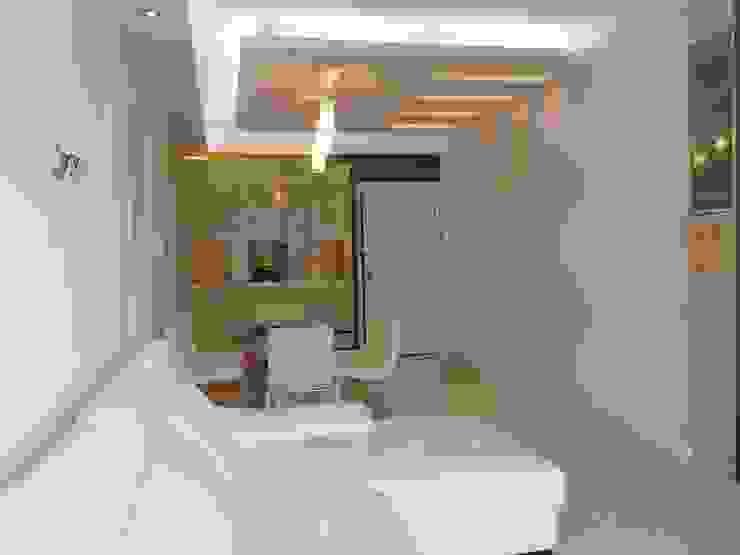 Dining area Oui3 International Limited Modern living room