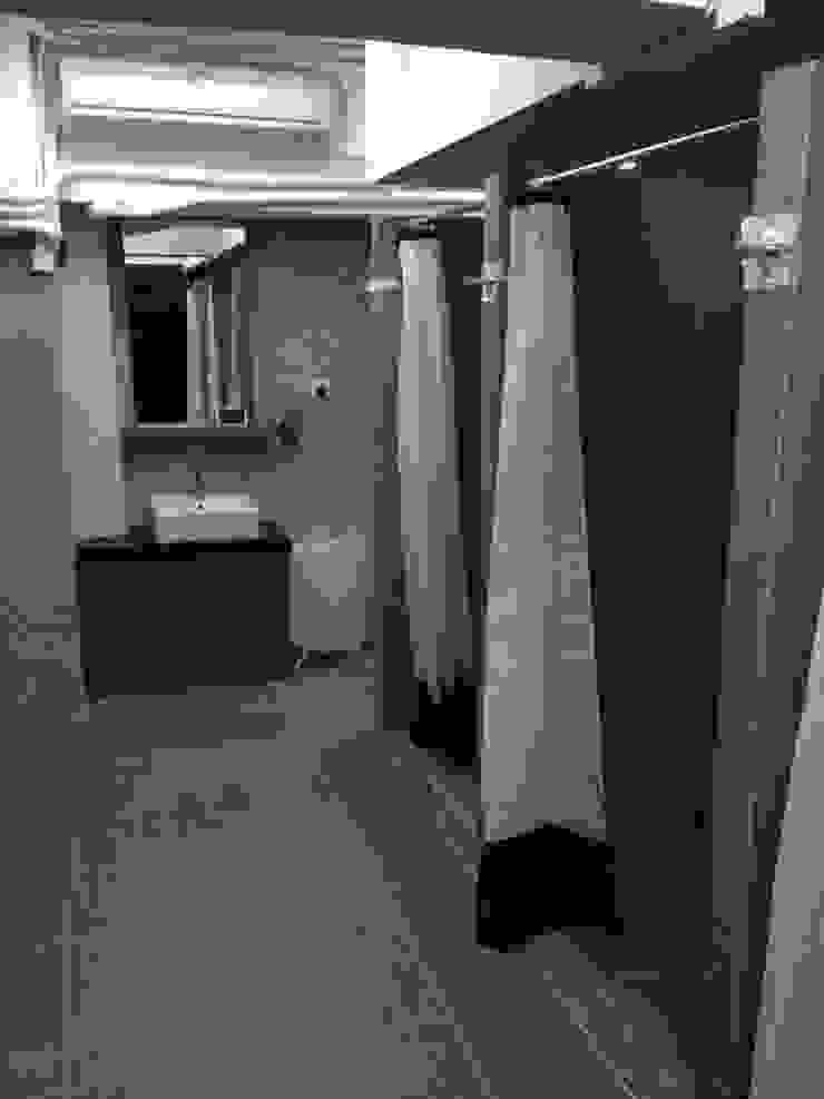 Gimnasios domésticos de estilo moderno de Oui3 International Limited Moderno