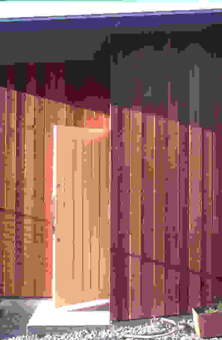 玄関ドア オリジナルな 家 の 240design・西尾通哲建築研究室 オリジナル