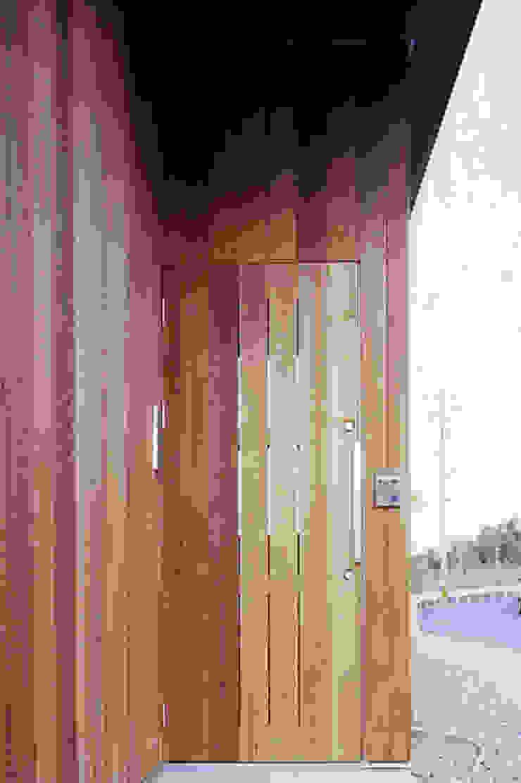 玄関ドア詳細 オリジナルな 窓&ドア の 240design・西尾通哲建築研究室 オリジナル