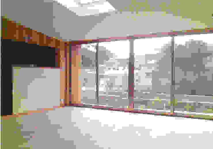 リビング オリジナルデザインの リビング の 240design・西尾通哲建築研究室 オリジナル