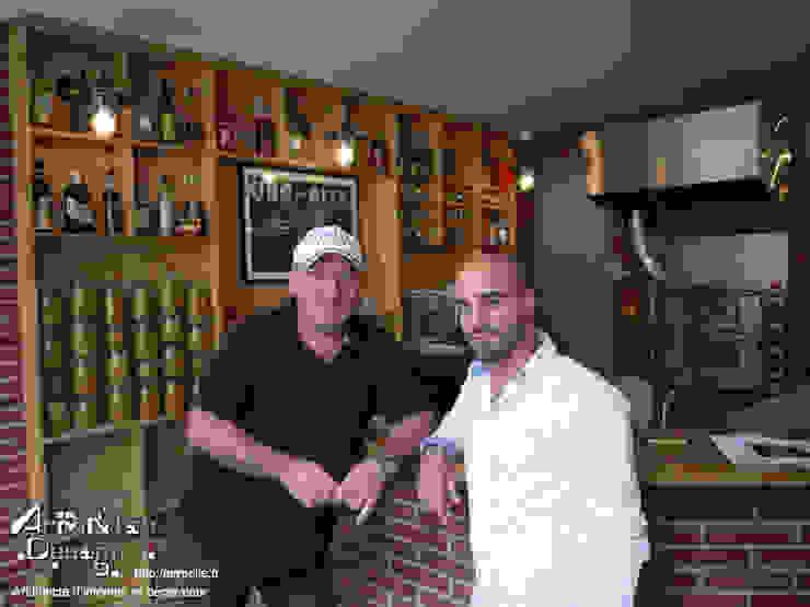 Gauche le proprio, droite l'architecte d'intérieur Gastronomie méditerranéenne par Agence Arm&lie Design Méditerranéen