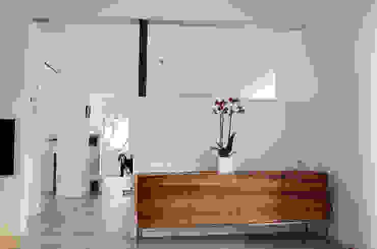 HONEYandSPICE innenarchitektur + design Ruang Keluarga Modern