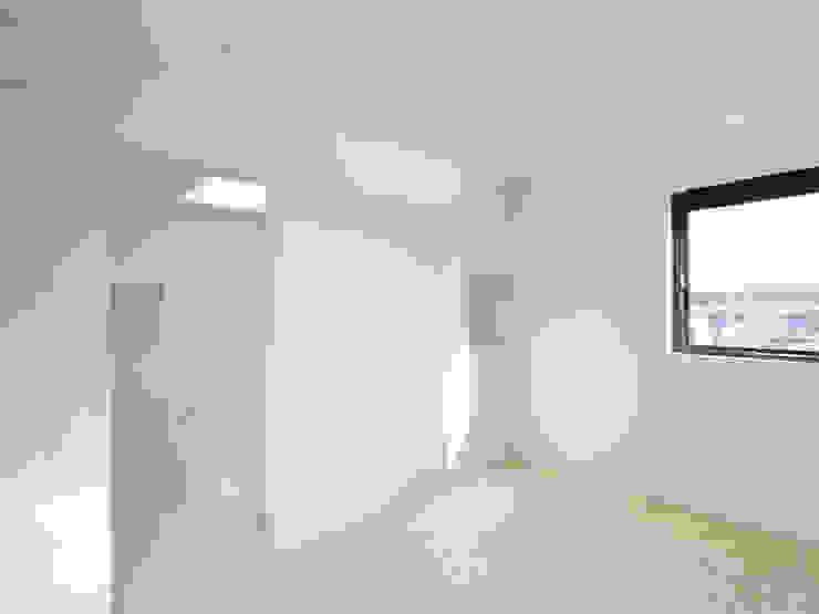 青戸の住宅 ミニマルスタイルの 寝室 の ハイランドデザイン一級建築士事務所 ミニマル