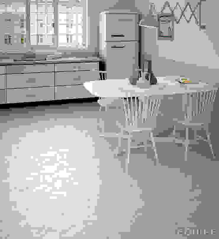 Hexawood Grey 17,5x20 / Chevron Grey Left&Right 9x20,5. de Equipe Ceramicas Escandinavo