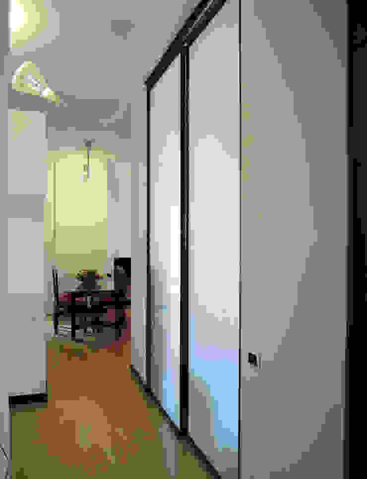 casa LA Case moderne di LACH Studio Moderno