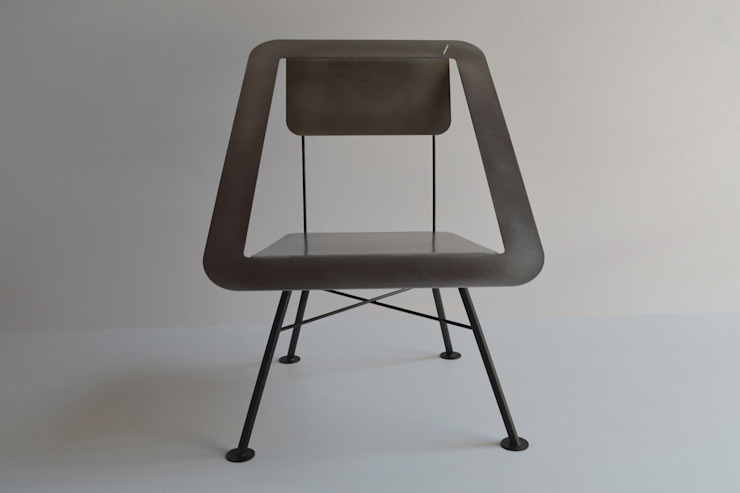 CHAISE 4x4 par DIFFERENT AND DIFFERENT Moderne