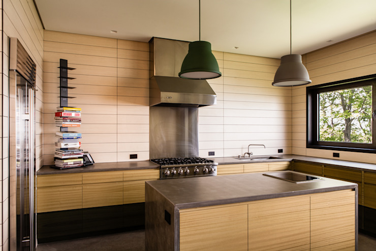 Hampton Residence Modern kitchen by Labo Design Studio Modern