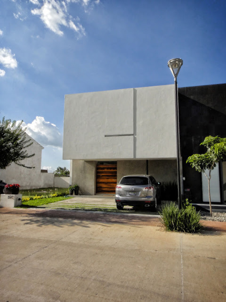 Modern Houses by Abraham Cota Paredes Arquitecto Modern