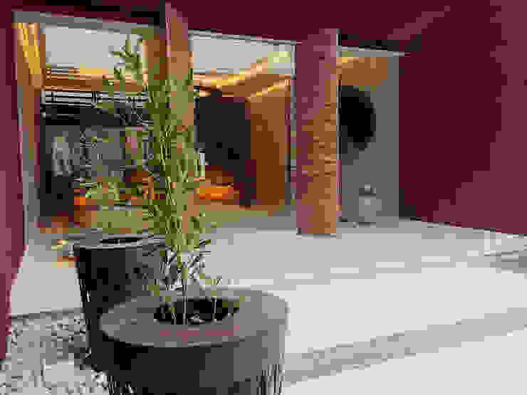 Riyadh House Modern garden by arqflores / architect Modern