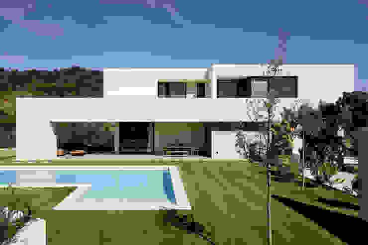 Arquitectura moderna en Madrid Casas modernas: Ideas, imágenes y decoración de Otto Medem Arquitecto vanguardista en Madrid Moderno
