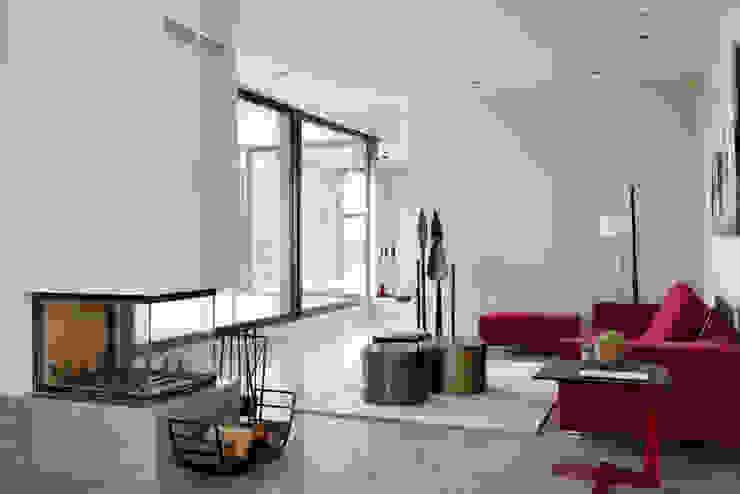 Arquitectura moderna en Madrid Salones de estilo moderno de Otto Medem Arquitecto vanguardista en Madrid Moderno