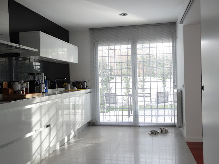 transformación Cocinas de estilo moderno de hollegha arquitectos Moderno