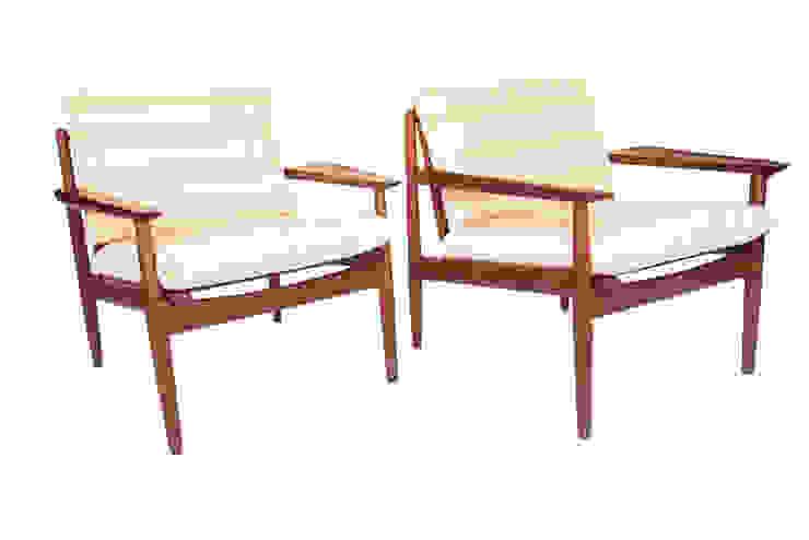 Paire de fauteuils danois + table amovible Arne VODDER par SCANDISHOP Scandinave