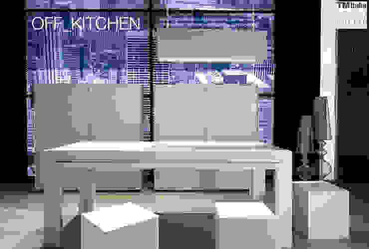 Off Kitchen di tm italia Moderno