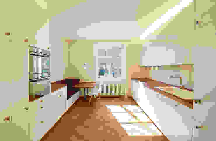 Klasyczna kuchnia od Handschin Schweighauser Architekten ETH SIA Klasyczny