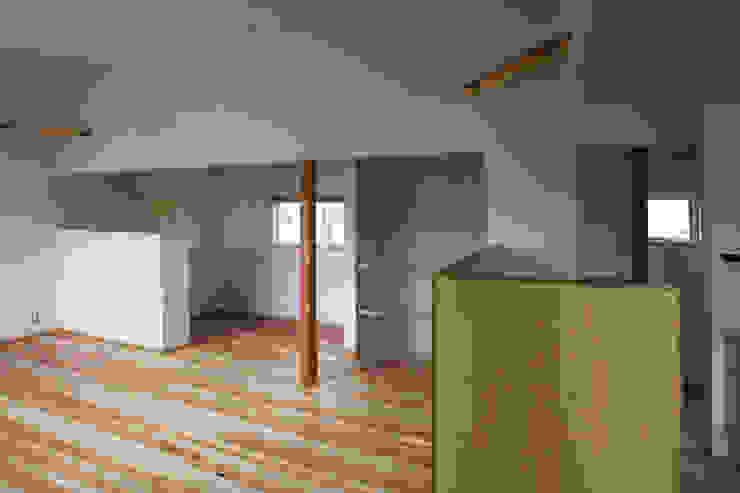 ちいさくつくる家 オリジナルデザインの リビング の 清水建築設計室 オリジナル